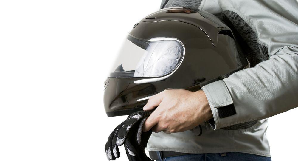 Protecciones-indispensables-que-todo-motero-debe-llevar.png