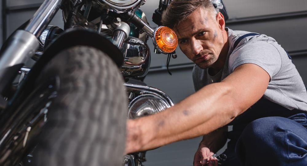 ¿Cuándo-es-el-momento-de-cambiar-los-neumáticos-de-tu-moto
